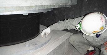 免震建物の竣工時検査務